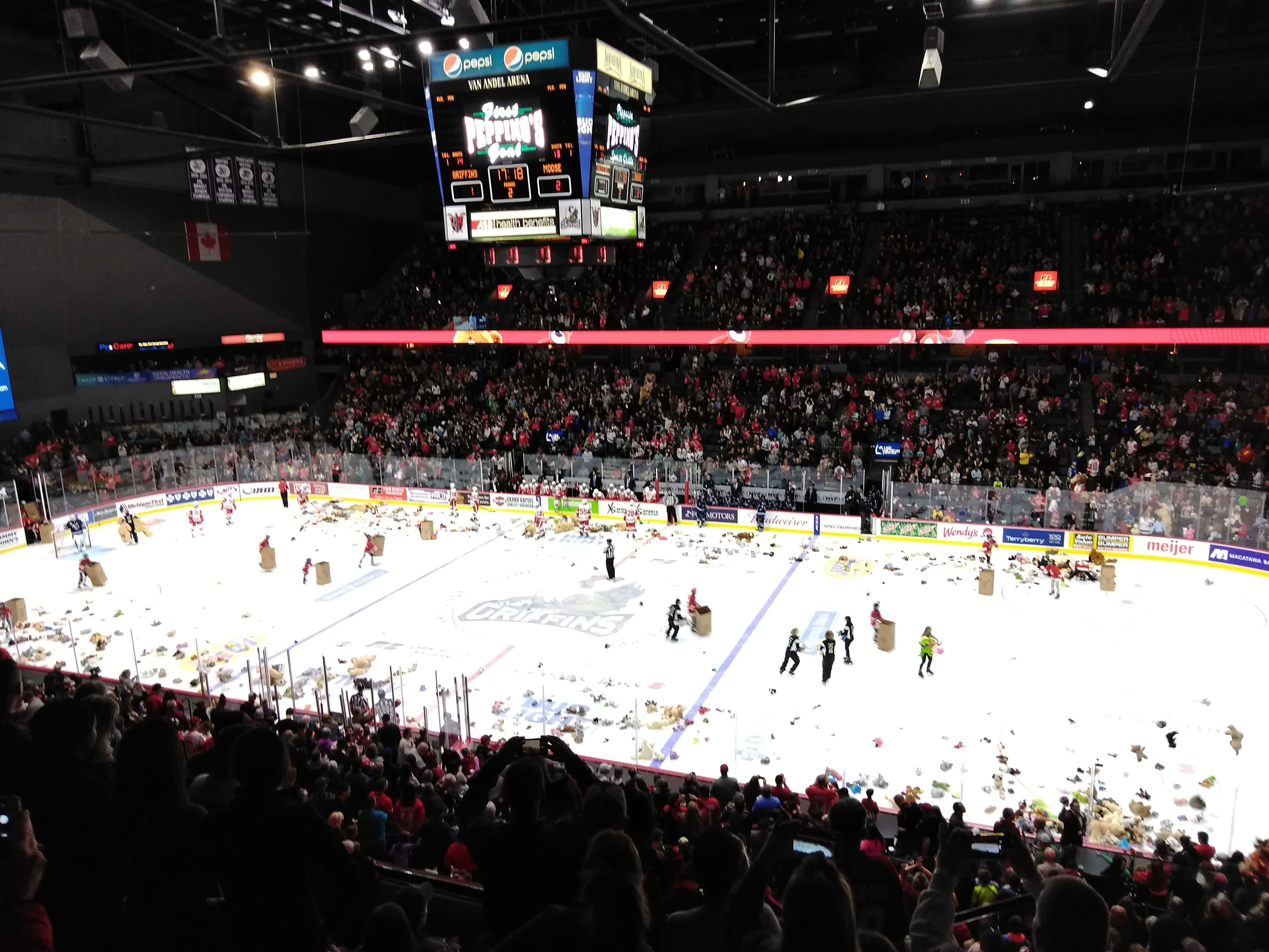 Tossing Teddy Bears Into a Wishing Well | Griffins vs Moose
