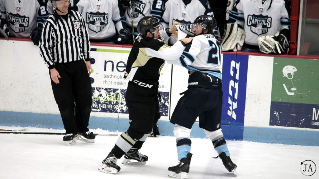 fight, marc del gaizo, ushl, junior hockey, muskegon lumberjacks, lumberjacks hockey