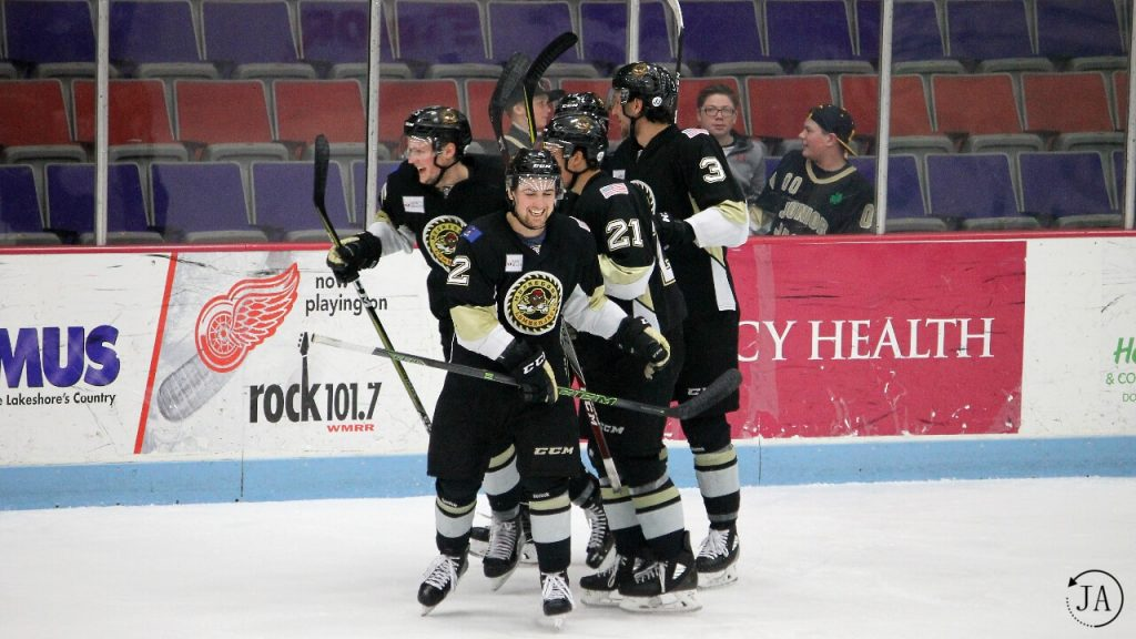 muskegon lumberjacks, lumberjacks hockey, marc del gaizo, goal celebration, ushl, junior hockey